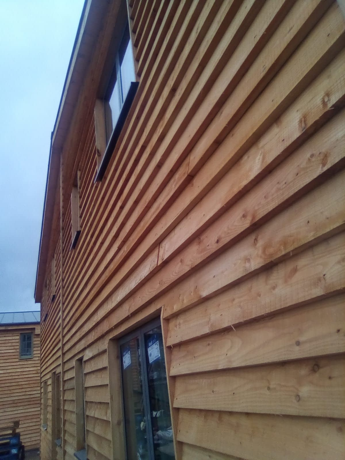 A family run sawmill operating from our site in Creswell on the border of Nottinghamshire and Derbyshire. We supply hardwoods and softwoods.